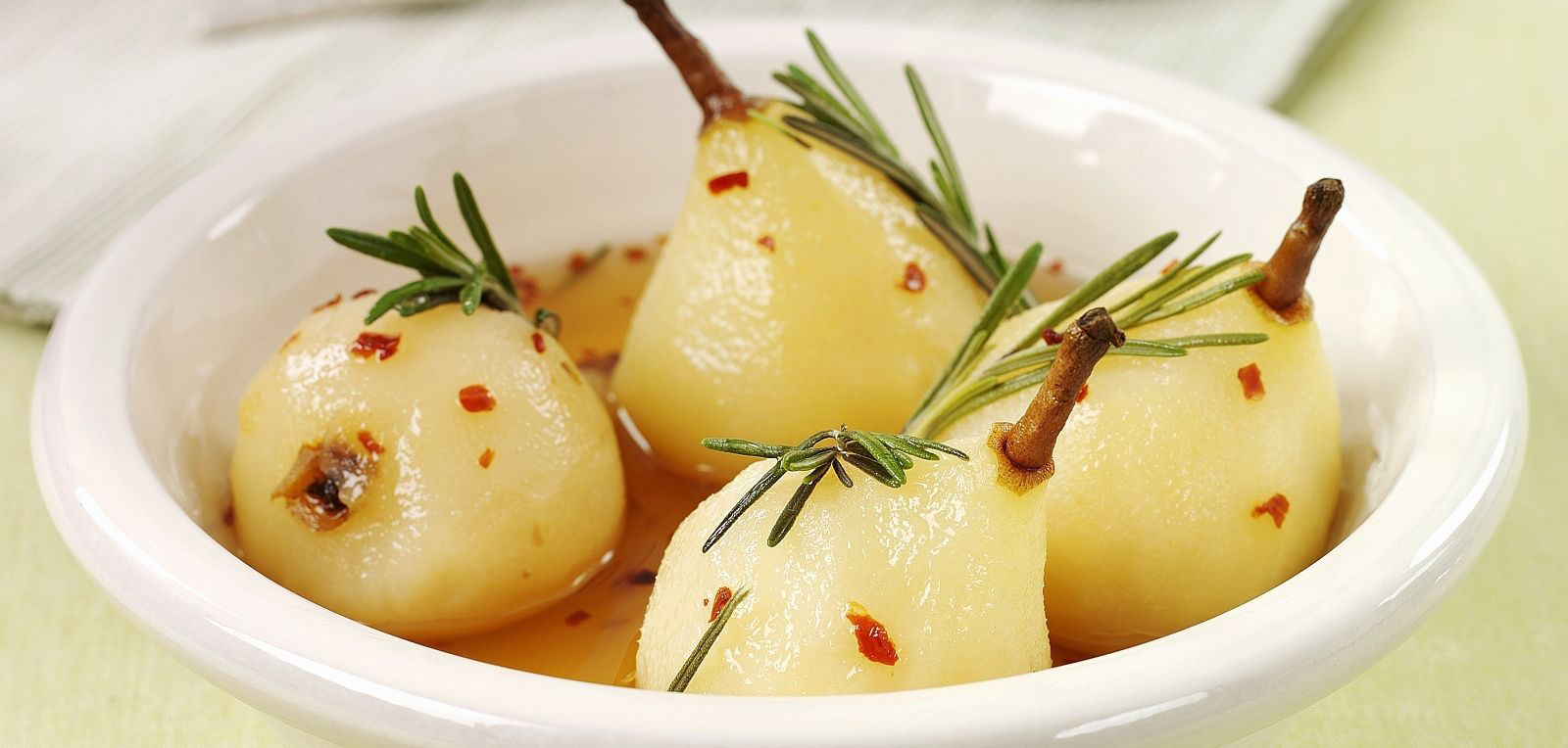 gordon ramsay, chilli poached pears, chef, recipe, celebrity chefs, ingredients, nutritions, fat, carbs, entertainment, hell's kitchen